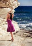 Het mooie jonge vrouw ontspannen Stock Foto