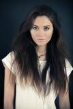 Het mooie jonge vrouw stellen Stock Fotografie