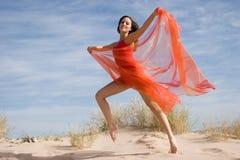 Het mooie jonge vrouwelijke uitoefenen royalty-vrije stock foto