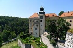 Het mooie kasteel van Pieskowa Skala Stock Afbeeldingen