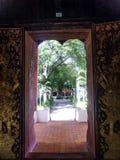 Het mooie kijken uit de levensstijl Thailand van tempelrelgion Stock Fotografie