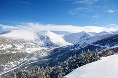 Het mooie landschap van de de Winterberg van Rila-berg, Bulgarije Stock Foto's