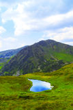 Het mooie landschap van het bergmeer Stock Fotografie