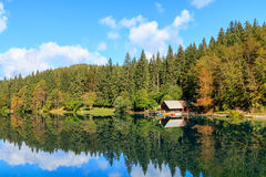 Het mooie meer van Laghi Di fusine Royalty-vrije Stock Afbeeldingen