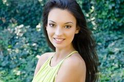 Het mooie meisje glimlachen Royalty-vrije Stock Fotografie