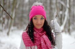 Het mooie meisje glimlachen Vorst, de winter Stock Foto's