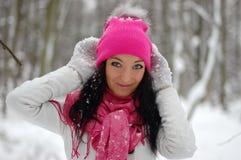 Het mooie meisje glimlachen Vorst, de winter Stock Afbeeldingen
