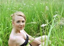 Het mooie meisje met blauwe ogen Royalty-vrije Stock Afbeeldingen
