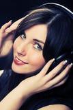 Het mooie Meisje van Hoofdtelefoons royalty-vrije stock afbeelding