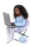 Het mooie Meisje van Zes Éénjarigen met Laptop over Wit Royalty-vrije Stock Afbeelding