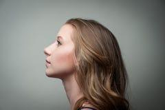 Het mooie model stellen voor camera Royalty-vrije Stock Afbeelding