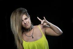 Het mooie model van het blonde punkhaar Stock Afbeeldingen