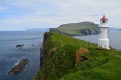 Het mooie Mykines-eiland in de Faeröer stock afbeeldingen