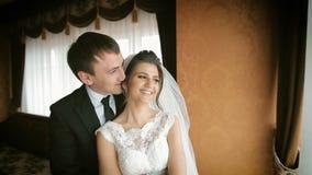 Het mooie Paar van het Huwelijk stock footage
