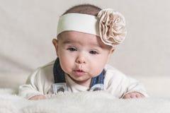 Het mooie Pasgeboren Meisje van de Baby Stock Afbeelding