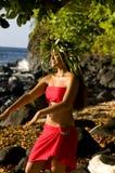 Het mooie Polynesische vrouw dansen royalty-vrije stock afbeelding