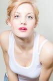 Het mooie portret van de de vrouwenclose-up van de blonde jonge manier sexy sensuele royalty-vrije stock foto's