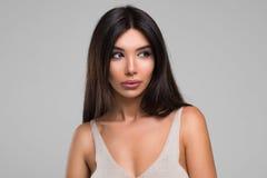 Het mooie Portret van de Vrouwenstudio Stock Fotografie