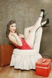 Het mooie Retro Pinup-Meisje in Sexy stelt Royalty-vrije Stock Foto's