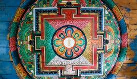 Het mooie schilderen op plafond, binnenmuur van Kettingsbrug, Paro, Bhutan stock afbeelding