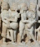 Het mooie steen snijden bij oude zontempel bij ranakpur Royalty-vrije Stock Afbeeldingen