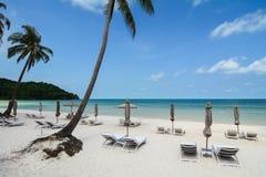 Het mooie strand in Ha snakt, Vietnam Royalty-vrije Stock Afbeelding