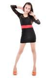 Het mooie vrouw model stellen in elegante kleding Stock Afbeelding