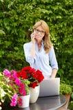 Het mooie vrouw werken Stock Foto