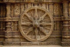 Het mooie Wiel van de blokkenwagen, de Tempel van de Zon Konark, Orissa Stock Foto's