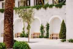 Het mooie witte huis in Porto Montenegro, Tivat stock fotografie