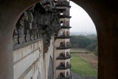 Het moskeedoel Gumbaz stock afbeelding