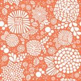 Het mozaïek bloeit naadloze vectorachtergrond Hand getrokken witte abstracte bloemen en bladeren op een perzik oranje achtergrond stock illustratie
