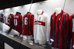 Het museum is beroemd voor spelers van voetbalclubs de Intermilaan en T-shirts van Milaan bij het stadion van San Siro royalty-vrije stock afbeelding