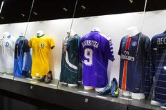 Het museum is beroemd voor spelers van voetbalclubs de Intermilaan en T-shirts van Milaan bij het stadion van San Siro royalty-vrije stock fotografie