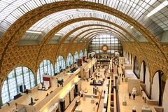 Het museum D ` Orsay in Parijs, Frankrijk Musee D ` Orsay heeft de grootste inzameling van impressionist en post-impressionist sc stock afbeeldingen