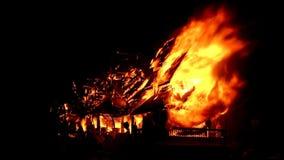 Het museum op brand stock video