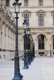 Het museumrij van het Louvre van lampen Royalty-vrije Stock Foto