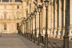 Het museumrij van het Louvre van lampen - Frankrijk - Parijs Royalty-vrije Stock Fotografie