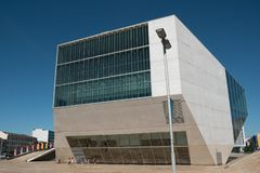 Het Muziekhuis, Casa DA Musica, het trefpunt van het muziekoverleg in Porto, Portugal stock fotografie