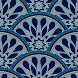 Het naadloze kader van het lapwerkpatroon van de in gekleurde bloemencirkels van de bloemtegel Voor de texturen van de behangoppe Stock Afbeelding