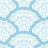 Het naadloze kader van het lapwerkpatroon van de in gekleurde bloemencirkels van de bloemtegel Voor de texturen van de behangoppe Royalty-vrije Stock Foto's