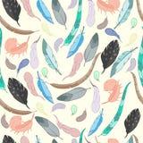 Het naadloze Patroon met Etnische Veren, hand getrokken vectorillustratie, kan voor behang, Web-pagina achtergrond worden gebruik Stock Foto's