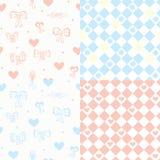 Het naadloze patroon van de baby dat met harten wordt geplaatst Stock Afbeeldingen