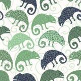 Het naadloze patroon van de kameleonhagedis Groene reptiel herhaalbare tegel vectorillustratie stock illustratie