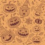 Het naadloze patroon van Halloween met leuke pompoenen Stock Fotografie