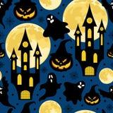 Het naadloze patroon van Halloween voor partij met kastelen, pompoenen, manen, spoken en sterren royalty-vrije stock fotografie