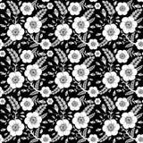 Het naadloze zwart-wit patroon met wildernis nam toe Stock Afbeeldingen