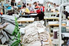 Het naaien de industrie productie stock afbeelding