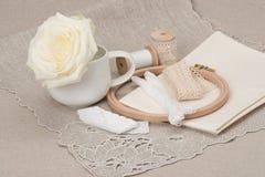 Het naaien en de Uitrusting van de Borduurwerkambacht Makende Toebehoren royalty-vrije stock foto's