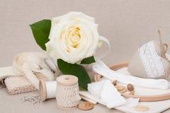 Het naaien en de Uitrusting van de Borduurwerkambacht Makende Toebehoren stock foto